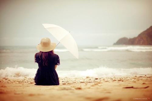 beach-dress-girl-hat-photography-umbrella-Favim.com-63302_large